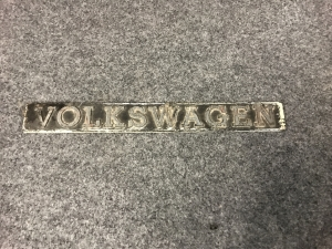 251-853-685-vw-t25-tailgate-badge-f